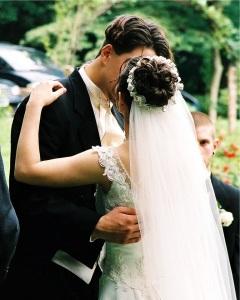 wedding kiss morguefile